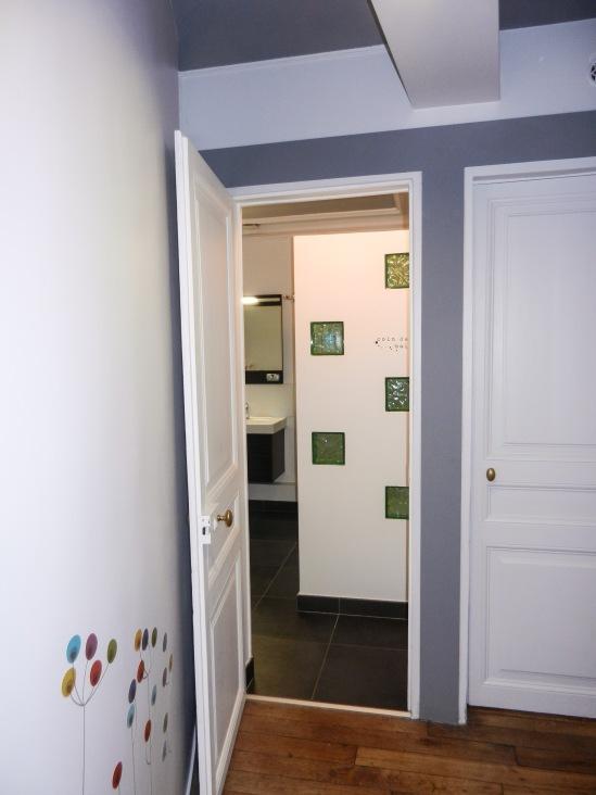 adisa-paris-9-couloir-sdb
